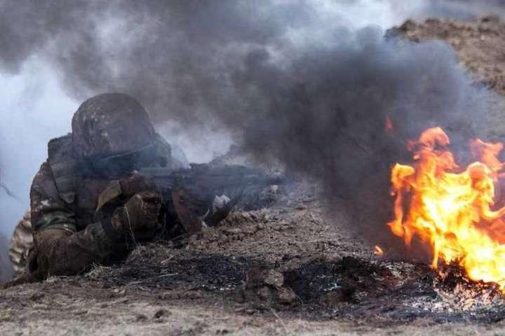 На світанку російські найманці обстріляли Водяне і Кримське