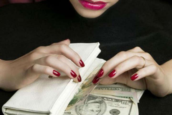 Шахрайство в турбізнесі: на Київщині аферистка ошукала людей на 320 тис. грн
