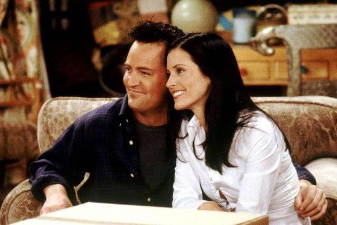 Моника и Чендлер снова вместе: поклонники в восторге от фото звезд сериала «Друзья»