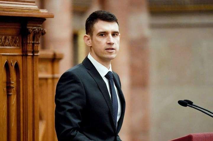 Янош Бенцик, член скандальної партії Jobbik — Шлях до НАТО має бути закритий. Угорські політики знову звинуватили Україну
