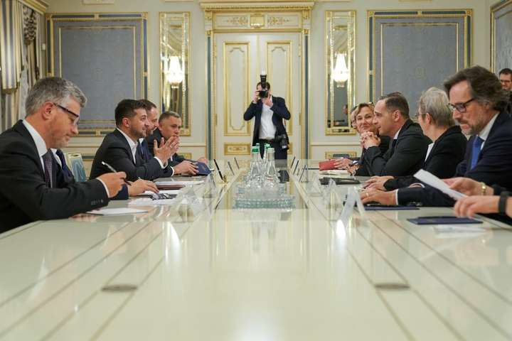 Президент України зустрівся з Федеральним міністром закордонних справ Німеччини - Зеленський обговорив з главою МЗС Німеччини саміт «нормандської четвірки»