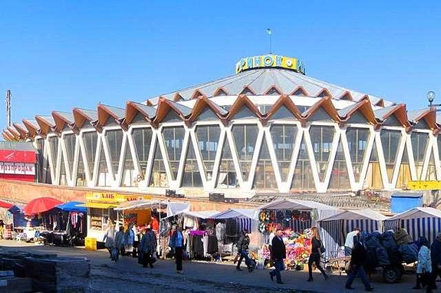 Центральний ринок вІвано-Франківську - Суд заарештував нерухомість Івано-Франківського «Центрального ринку», – ЗМІ