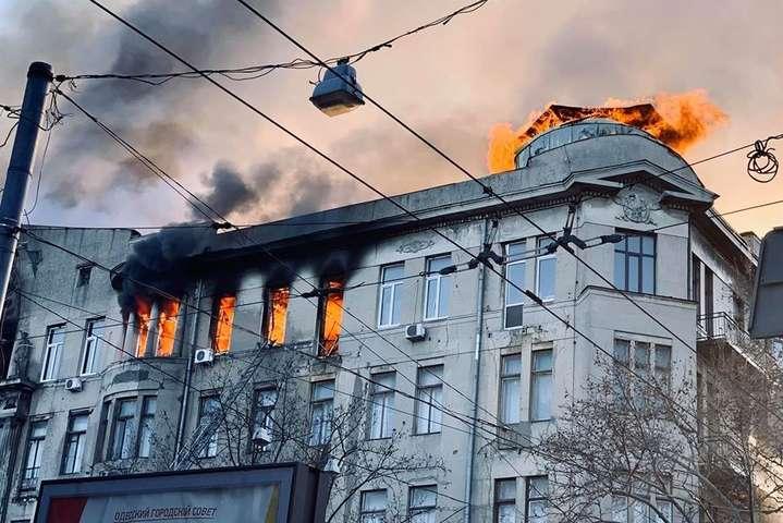 """Результат пошуку зображень за запитом """"Рятувальники встановили, як почалася пожежа в Одеському коледжі"""""""