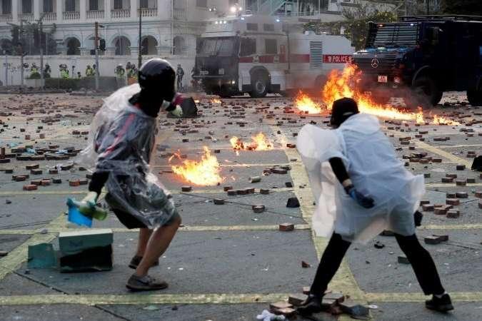 <p>Затримані &ndash; підлітки 15-18 років</p> - У Гонконзі затримали п'ятьох підлітків за підозрою у вбивстві під час протестів