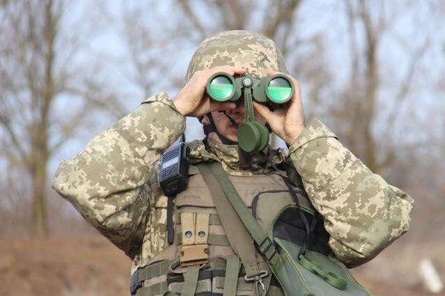 У зоні бойових дій на Донбасі поранили українського військового