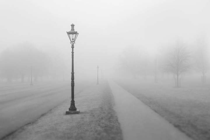 У Києві та області оголошено жовтий рівень небезпеки через туман
