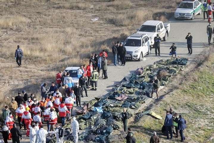 Тіла українців, які загинули в авіакатастрофі в Ірані, планують доправити до Києва 19 січня - МАУ відкрила гарячу лінію для родичів загиблих в авіакатастрофі в Ірані