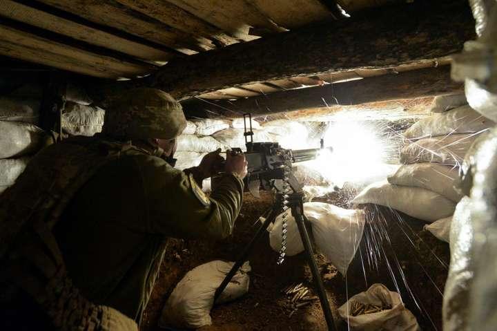 Доба на Донбасі: бойовики здійснили 11 обстрілів, є загиблий
