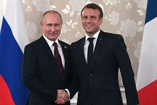 Еммануель Макрон розповів, як дійшов до думки про зближення з Путіним - Макрон не вважає війну на Донбасі перешкодою відносин з Росією, - ЗМІ