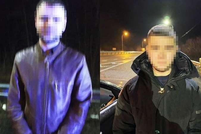 Затриманими виявилися 20-річний мешканець Кропивницького та 28-річний житель Київщини - Поліція затримала дует, що викрадав речі із камер зберігання у київському спортклубі (фото)