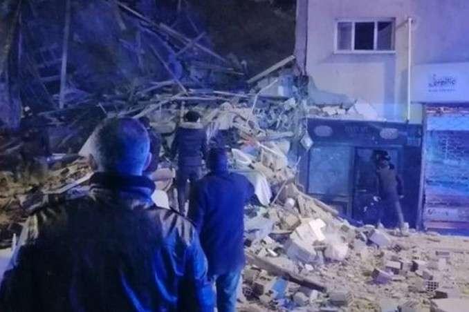 Наслідки землетрусууТуреччині - Землетрус у Туреччині: кількість загиблих наблизилася до 30
