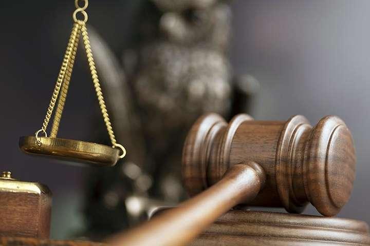 У Києві судитимуть шахраїв, які виманили у керівника держпідприємства понад $80 тис.