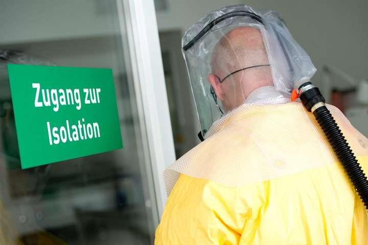У Німеччині виявили ще три випадки зараження китайським коронавірусом - У Німеччині виявили ще три випадки зараження смертельним коронавірусом