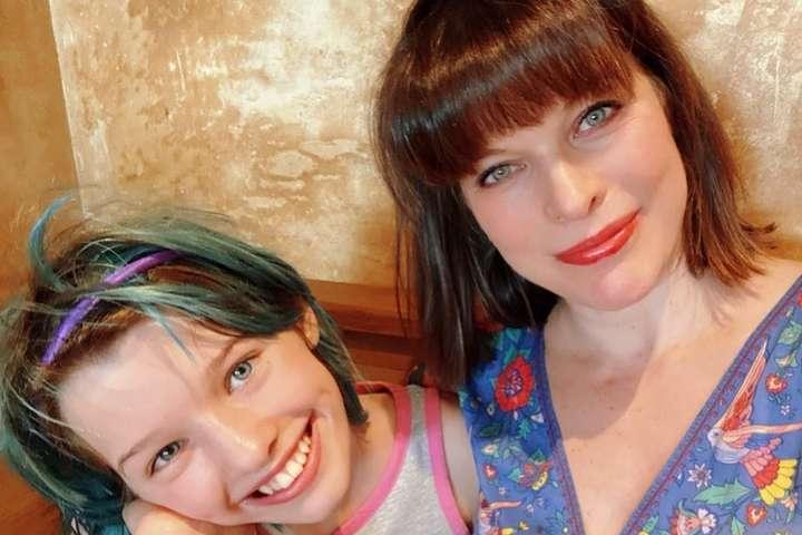 <p>Эвер Габо Андерсон приняла участие в новой модной съемке</p> <div></div> <p> — 12-летняя дочь Милы Йовович появилась на обложке глянца»></p></div> <div class=