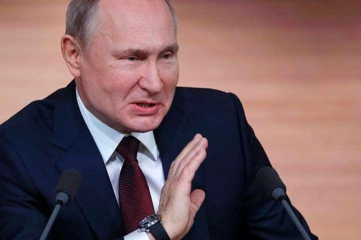 <span>За словами глави &laquo;Левада-центру&raquo; Льва Гудкова, падіння рейтингу Путіна &laquo;пояснюється стійким роздратуванням росіян і втомою від президента&raquo;</span> — Дратує і втомив. Рівень довіри до Путіна за два роки впав удвічі (дослідження)»></div> <p><span>За словами глави «Левада-центру» Льва Гудкова, падіння рейтингу Путіна «пояснюється стійким роздратуванням росіян і втомою від президента»</span></p> </p></div> <div class=