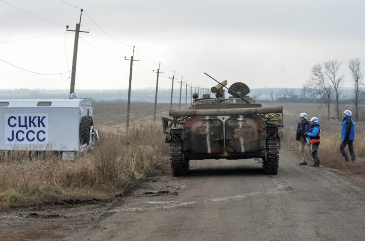 Розведення війск і техніки планують здійснити в районі Гунтового - У Мінську погодили нову ділянку для розведення сил на Донбасі