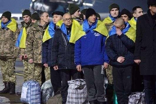 Звільнені з полону українці - Україна передала у Мінську уточнений список на звільнення