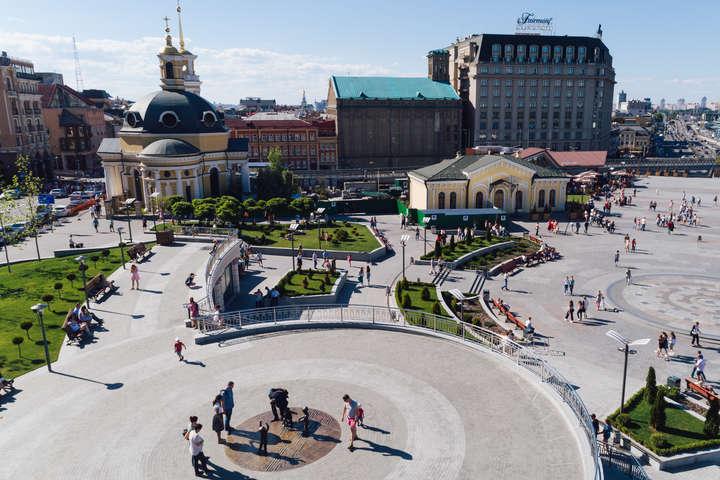 Київ - туристично привабливе місто - Київ манить туристів: за рік столицю відвідало близько 2 млн іноземців