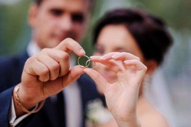 «Кохання поза часом». На святого Валентина шлюби реєструватимуть до опівночі