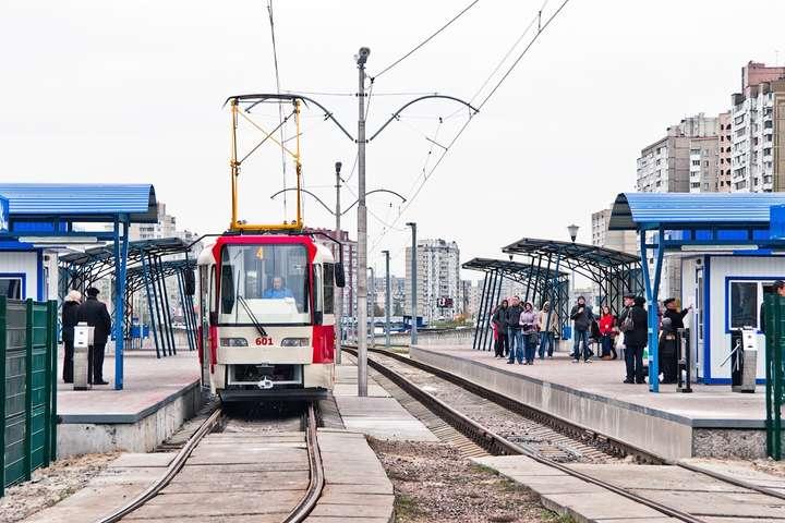 Лівому берегу Києва обіцяють цього року сучасні трамваї і кілометри нових колій