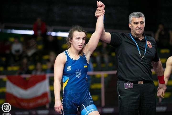 Оксана Лівач доповнила колекцію медалей - Україна виграла першу медаль чемпіонату Європи з жіночої боротьби (відео)