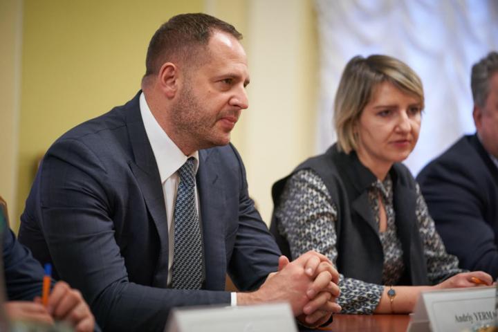 Глава Офиса президента Андрей Ермак встретился с руководством посольств стран «Большой семерки» - Ермак встретился с послами G7