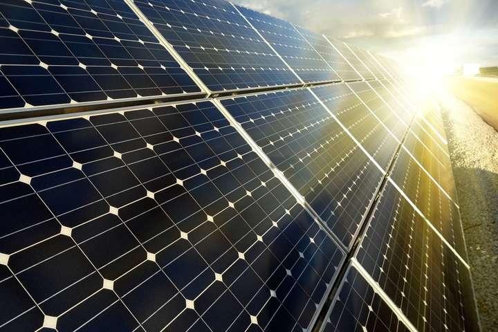 Виробники «зеленої» електроенергії цього місяця отримали від держави майже 0,5 млрд грн