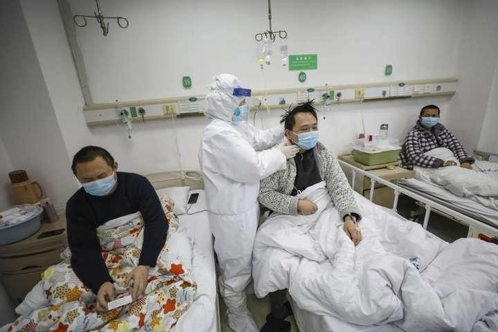 В Китаї за добу від коронавірусу померли 254 людини - Новий смертельний рекорд: в Китаї за добу від коронавірусу померли 254 людини