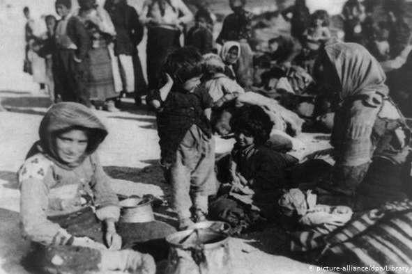 <span>Вірменські біженці у Сирії, 1915 рік</span> — Сирія визнала масові вбивства вірмен геноцидом»></div> <p><span>Вірменські біженці у Сирії, 1915 рік</span></p> </p></div> <div class=