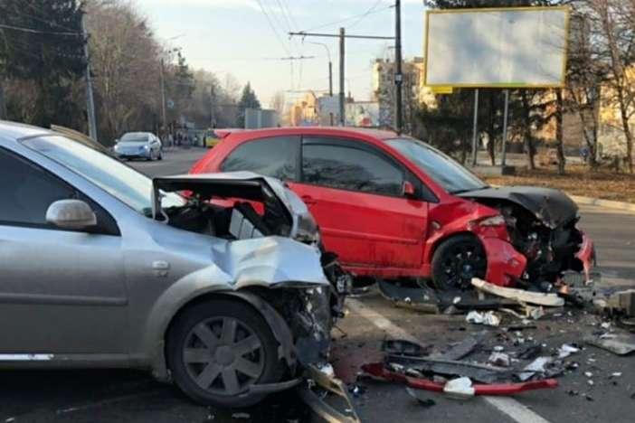 Недотримання правил дорожнього руху призводить до ДТП - Кількість ДТП на Київщині з початку року перевалила за тисячу