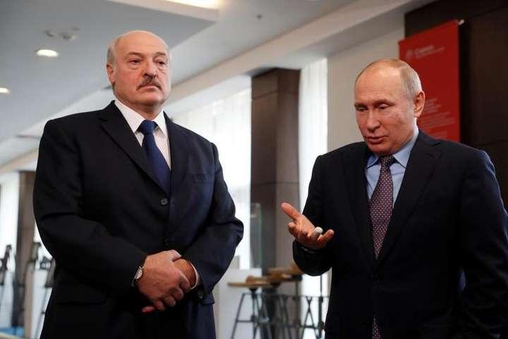 Лукашенко відмовляється перетворювати Білорусь на федеральний округ Росії