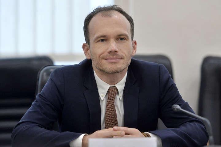 Министр юстиции Денис Малюська - Министр юстиции показал интимную переписку с женой (фото)