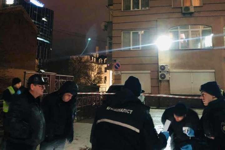 Андрія Сотника застрелили У центрі Києва вбили пластичного хірурга Андрія Сотника: відео і фото загиблого кількома пострілами увечері 2 лютого в Києві - Поліція затримала іноземця, якого підозрюють у вбивстві пластичного хірурга