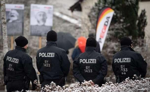 У Німеччині затримали ультраправу банду, яка готувала напади на політиків