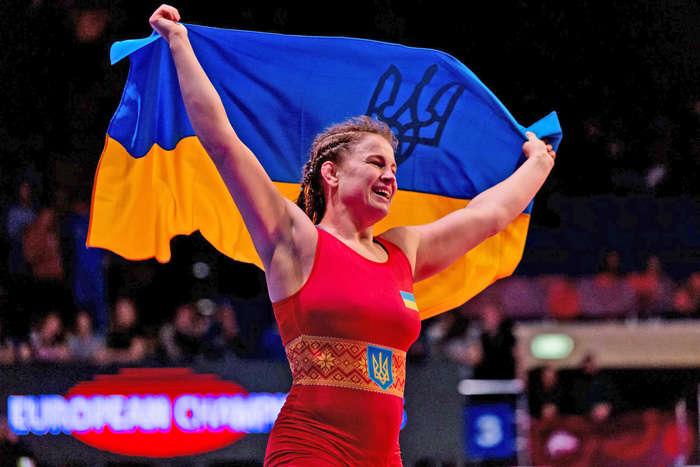 Аліна Бережна - одна з найтитулованіших українських борчинь - Чемпіонка світу-2013 Бережна свою шосту медаль на чемпіонатах Європи з боротьби (відео)