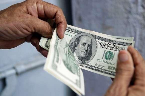 Цього року НБУ купує валюти менше, ніж у минулому - Нацбанк різко скоротив купівлю валюти