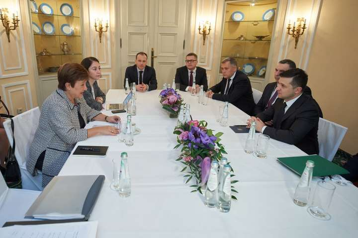 Зеленський зробив заяву щодо подальшої співпраці з МВФ