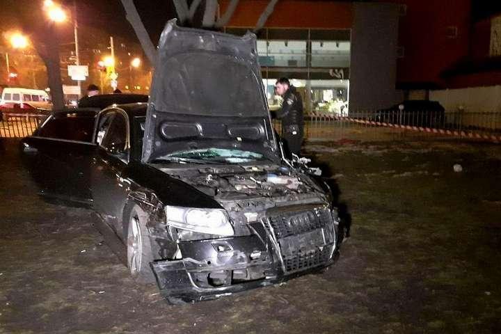 У Дніпрі водій тікав від поліції і збив трьох пішоходів - У Дніпрі водій тікав від поліції і збив трьох пішоходів