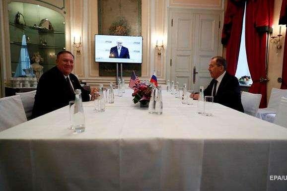 Майк Помпео і Сергій Лавров у Мюнхені - У Держдепі відмовилися розкрити деталі зустрічі Помпео і Лаврова в Мюнхені