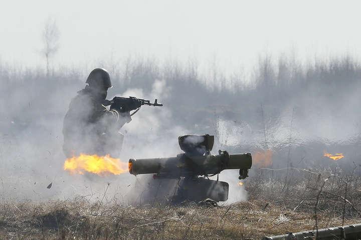 Бойовики штурмують українські опорні пункти в районі розведення під Золотим – журналіст