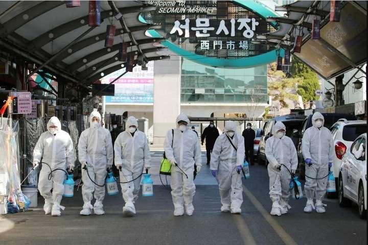 <p>Дезінфекція в Південній Кореї</p> - Південна Корея оголосила найвищий рівень загрози через вірус Covid-19