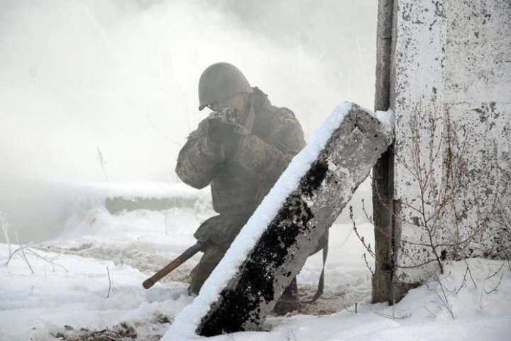 Противник обстріляв наші позиції із заборонених Мінськими домовленостями артилерійських систем, мінометів, гранатометів різних систем, великокаліберних кулеметів та стрілецької зброї — Російські окупанти 13 разів порушили режим припинення вогню на Донбасі