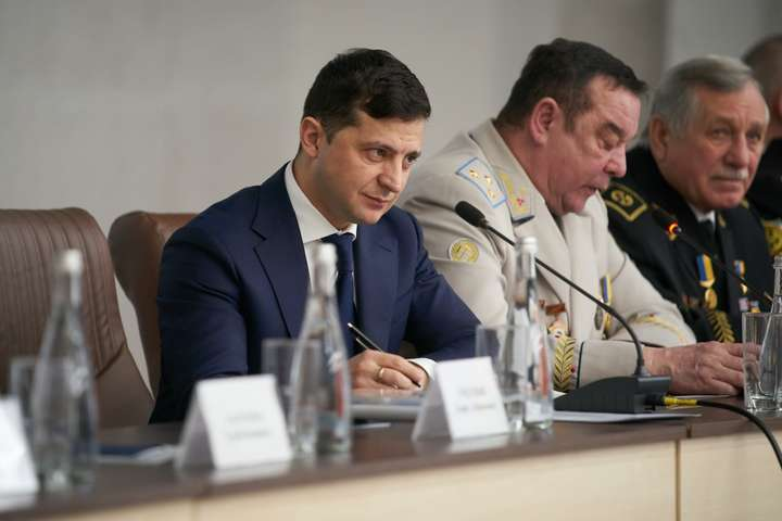 Зеленський відправить уряд до шахтарських містечок