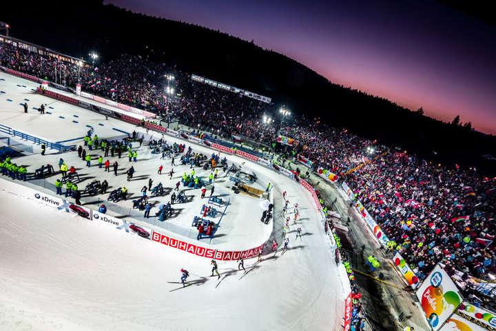 Организаторы этапа ожидали что соревнования посетят примерно 100 тыс. зрителей- Этап Кубка мира по биатлону в Чехии пройдет без зрителей