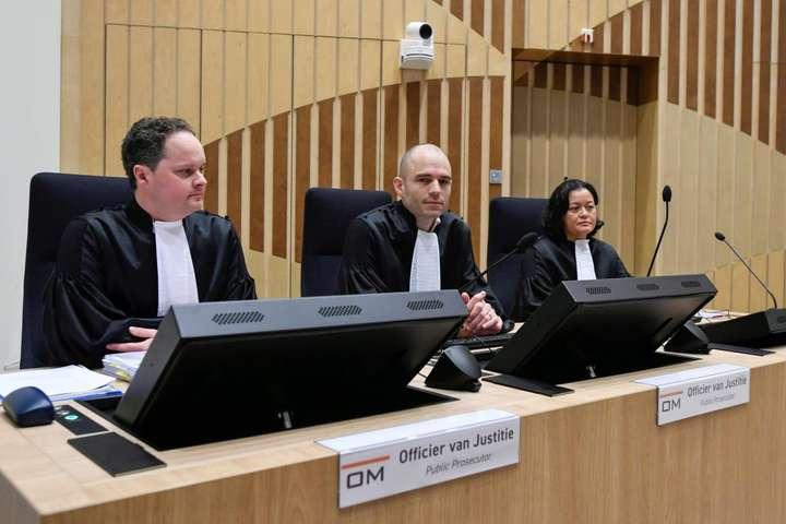В Нідерландах почалося перше слухання у справі про катастрофу пасажирського літака MH17 над Донбасом в 2014 році — Прокурор у справі MH17 процитував Солженіцина в суді