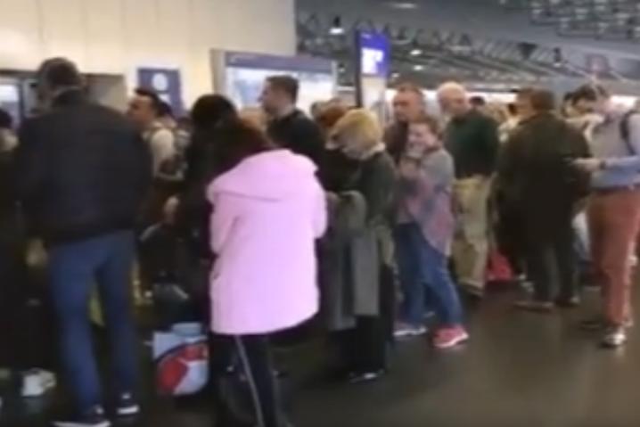 Сотни украинцев не смогли вылететь из Германии в Украину. «Люфтганза» отменила рейс