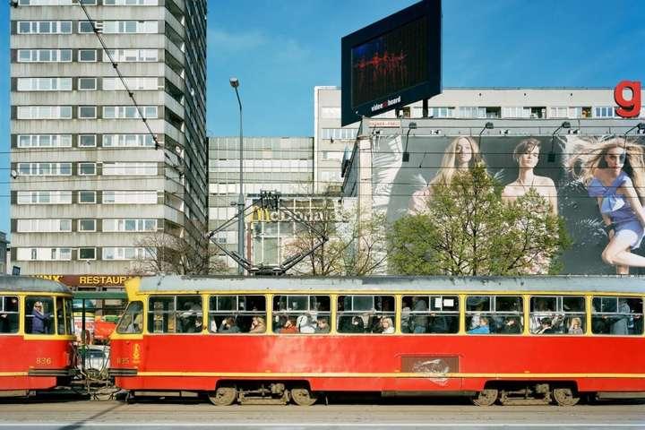 Поляки отримали членство в ЄС у 2004 році - Старий громадський транспорт і обшарпані будинки. Як виглядала Польща до вступу в ЄС