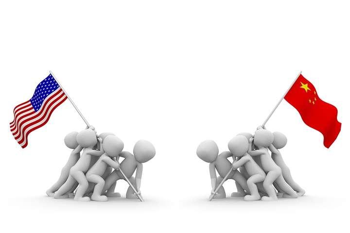 «Війна акредитацій» між США і Китаєм. Пекін висилає американських кореспондентів