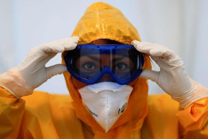 Кличко розповів, за які кошти Київ закуповує маски, тести, захисні костюми
