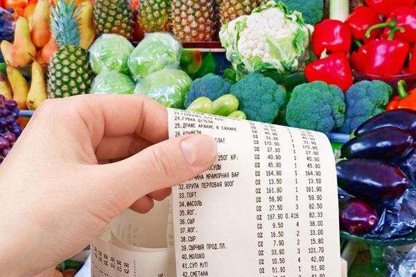 Деякі торговельні мережі підняття вартості товарів пояснюють зростанням ціни у постачальників, а постачальники кивають на значне зростанням витрат на виробництво продукції, пов'язаним із карантинними заходами - Антимонопольний комітет шукатиме винних у підвищенні цін на продукти